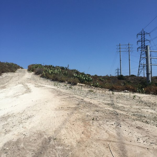 Power lines dominate at Edison Viejo.