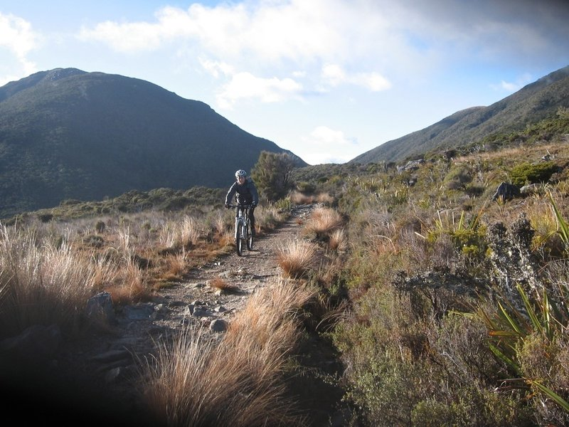 Descending from Perry Saddle to Gouland Downs
