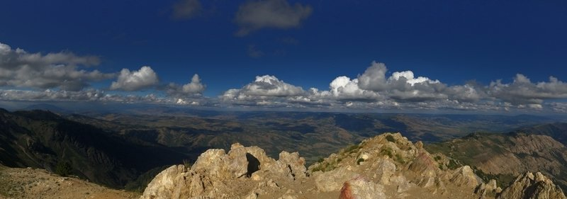 360-degree views from the summit of Ben Lommond!!