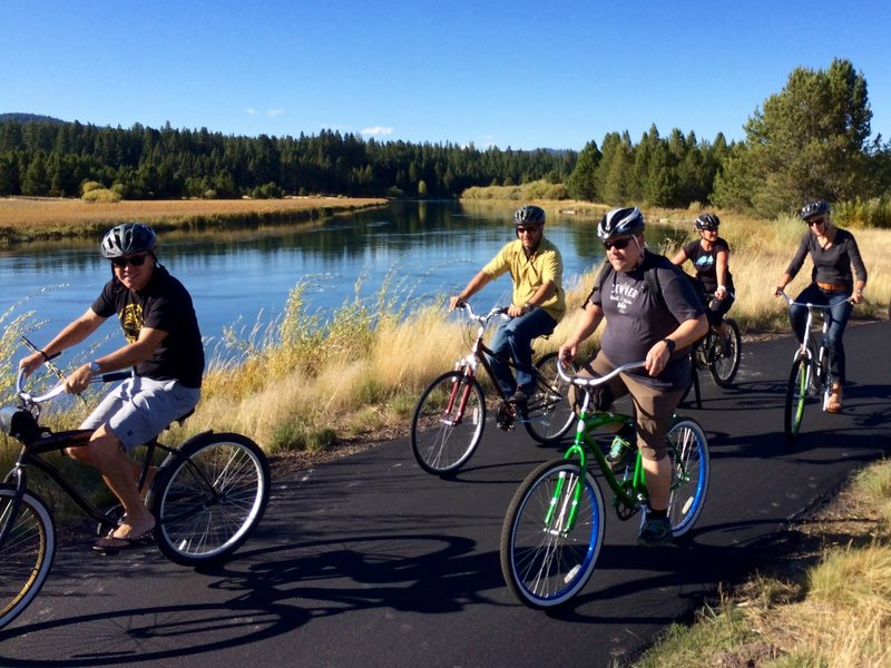 Cruising along the Sunriver River Loop Trail.