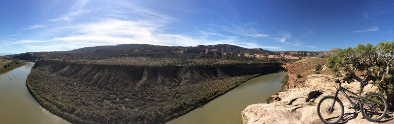 On Horsethief Bench overlooking the Colorado on a perfect fall day.