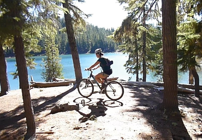 Great views of Meek Lake can be had all along the trail.