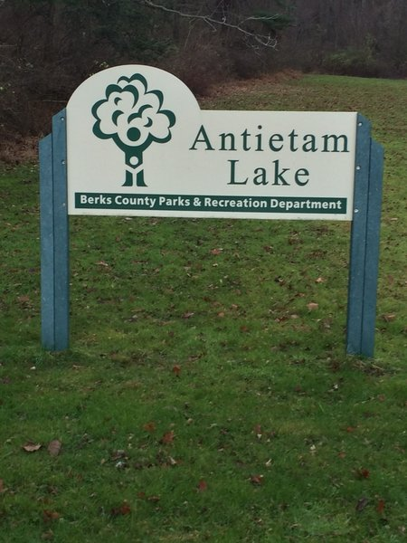 Entrance to the parking lot at Antietam Lake Preserve.