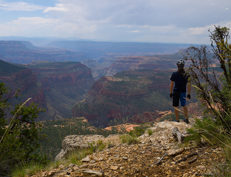 Views about at the hike-to overlook from the Rainbow Rim Trail.