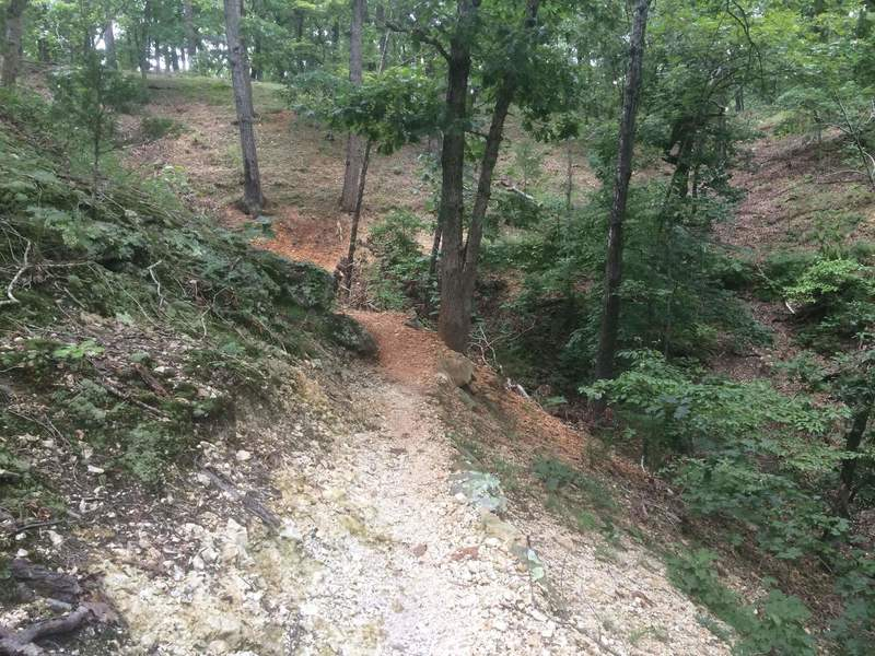 Some tight gravely corners along the inside of a ridge line on the West Loop.