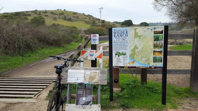 Main trailhead for Wilder Ridge Loop