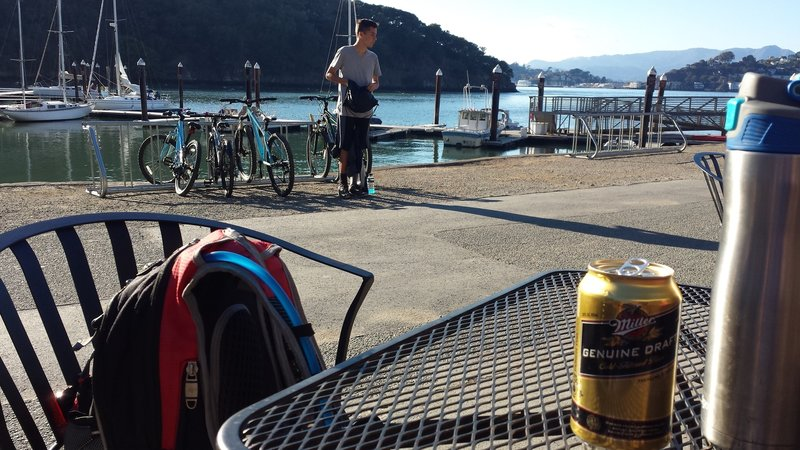 Waiting for last ferry at the Ayala Cove café.