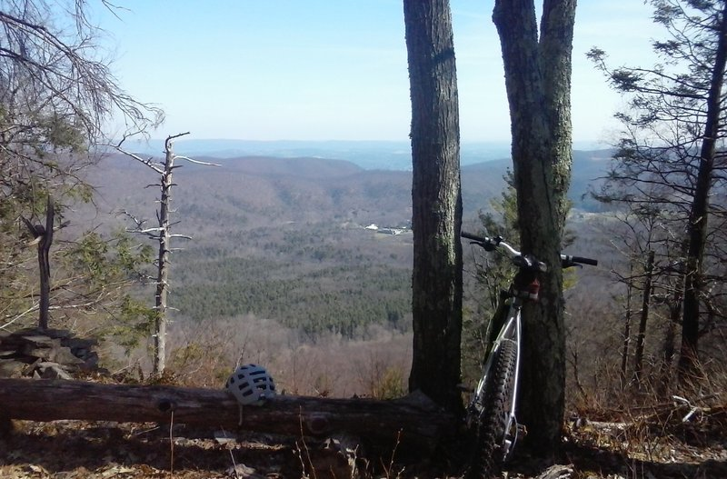 Overlook at the top of the trail.