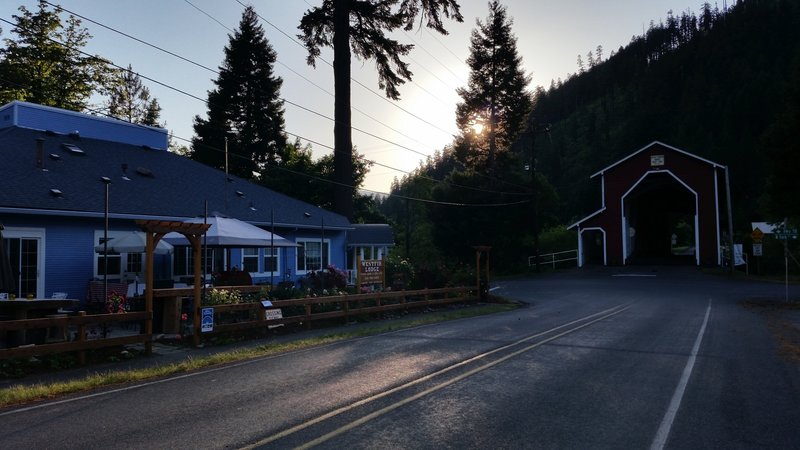 Westfir Lodge at the base of Alpine trail. Great for drinks, food, and an extended weekend!