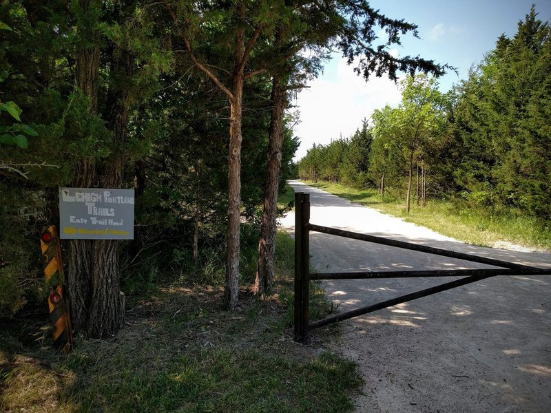 Entrance for the Lehigh Portland Trails, with the Backbone Trail straight ahead.