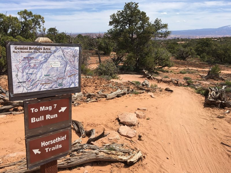 The intersection of Mustang Loop and the Getaway Trail.