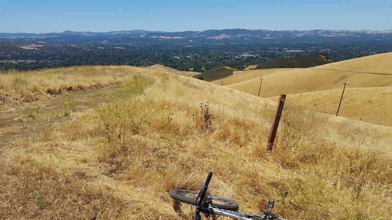 Top of ridge on Paraiso Trail.