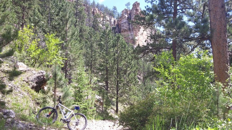 Rocky descent down Muddy Canyon.