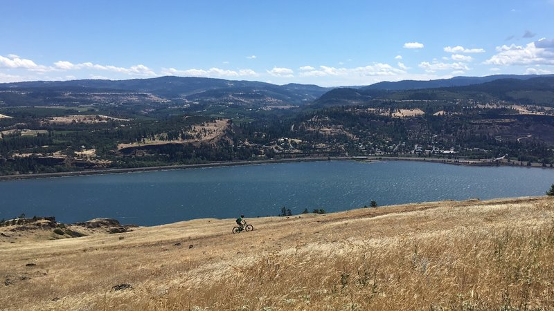 Climbing the syncline, overlooking the Columbia River.