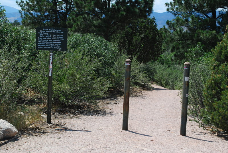 Start of Pulpit Rock Trail. with permission from coloradojak - Keep Panoramio Alive