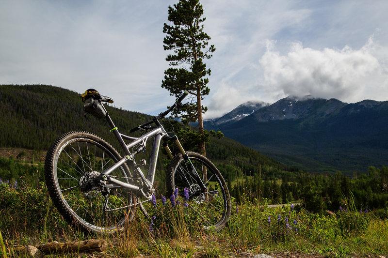 Mountain views along the Peninsula Trail.