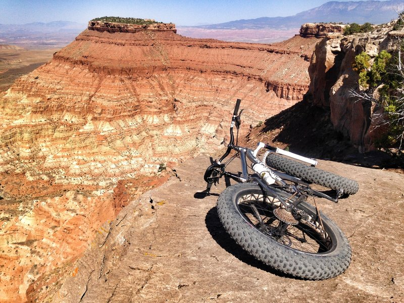 On the edge at Gooseberry Mesa