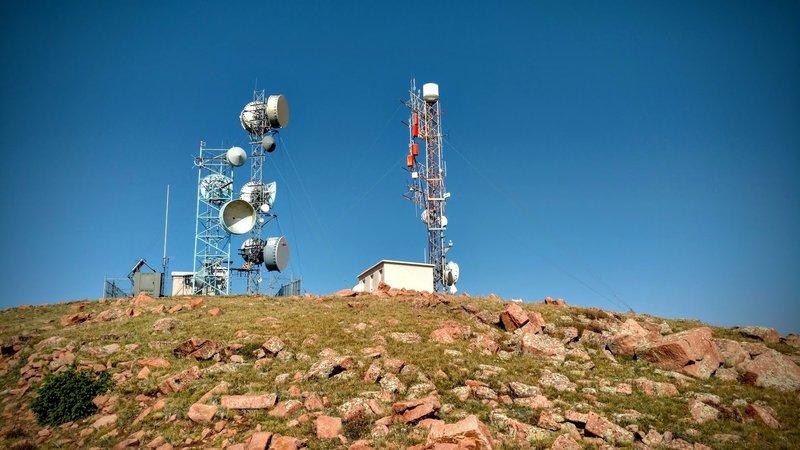 Radio antennae of S. Almagre Peak.