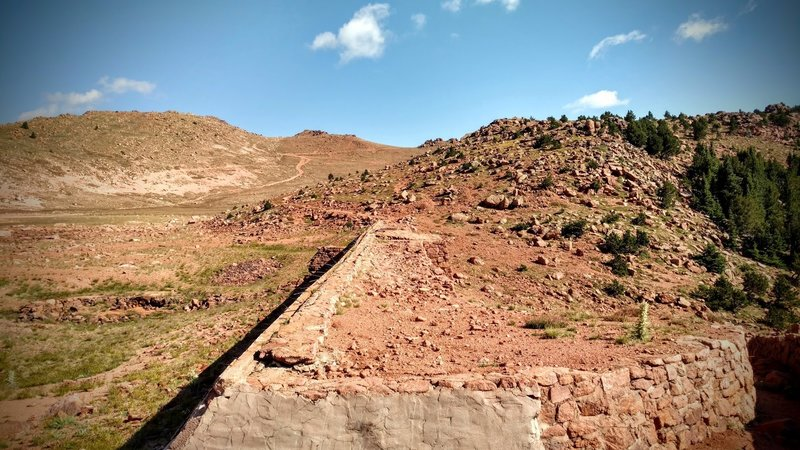 Traverse the dam to start the ascent to N. Almagre Peak.