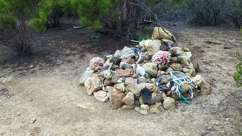 A memorial placed for the late Darren York (2006). He died at this spot in an apparent mountain bike accident.