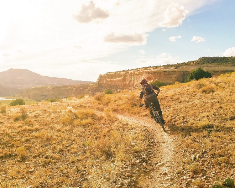 Great views and flowy singletrack make Rustler's a great intro to the Kokopelli trails.