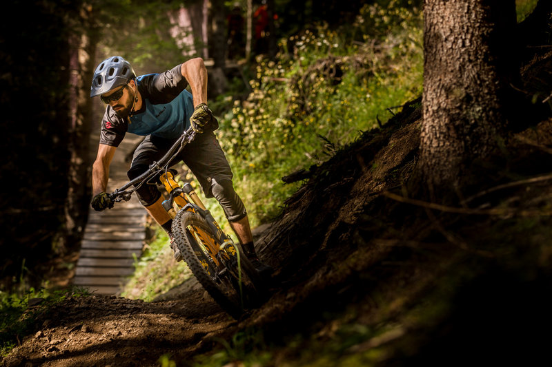 Fun turns, loam and wood features on 9.90. Photo: @jensstaudtfoto