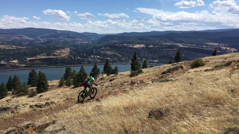 Riding Syncline on a dry summer day, overlooking the Columbia.
