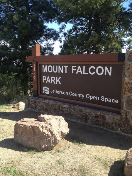Leaving Mt. Falcon. You can get all aerodynamic on the road descent, but don't miss your turn!