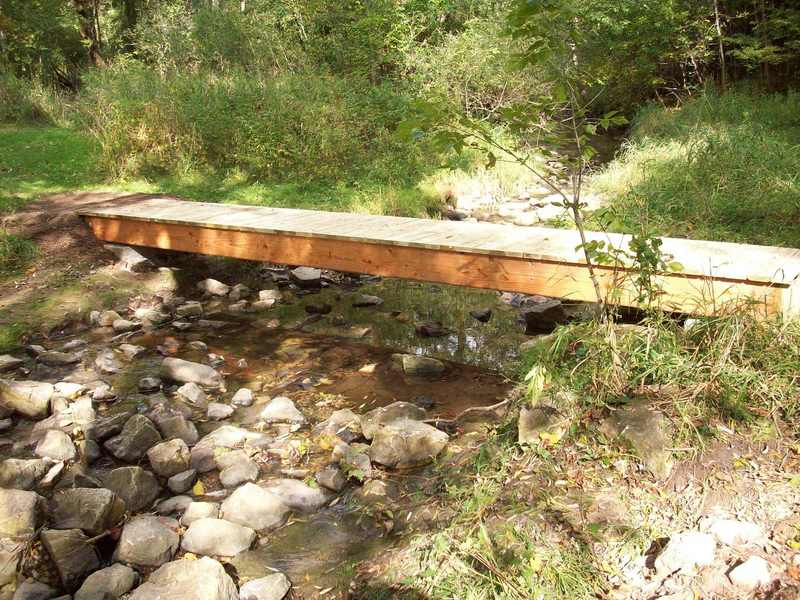 Bridge over Sucker Creek at the beginning of the trail.