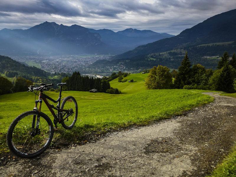 Looking forward to the last descent from Wamberg into Garmisch-Partenkirchen.