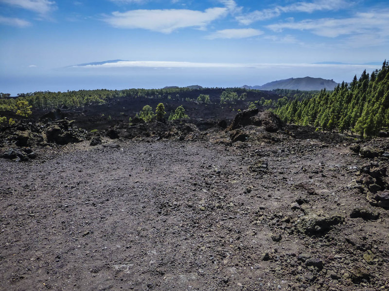 An eruption from the side of el Teide volcano 200 years ago created this gravel mountain. The islands of la Gomera (left) and la Palma (right) are in the background.