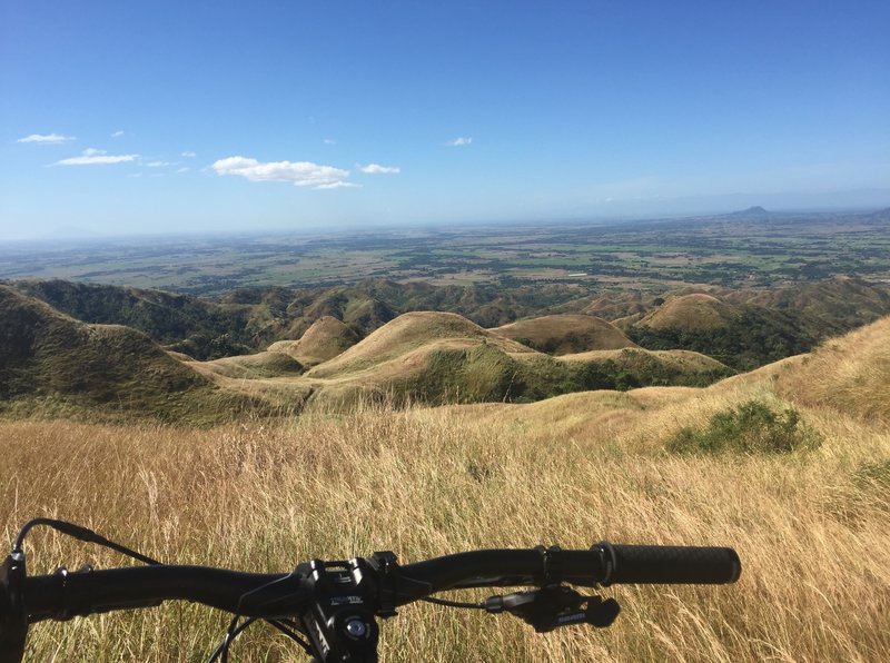 The Mt. Williams Trail offers gorgeous overlooks of the rolling hills of San Jose City.