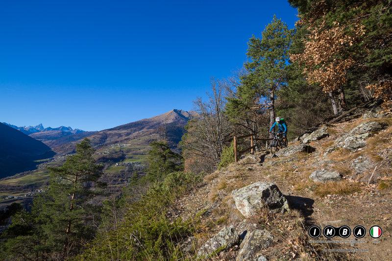 Enjoy phenomenal scenery on the way down to Roisan.