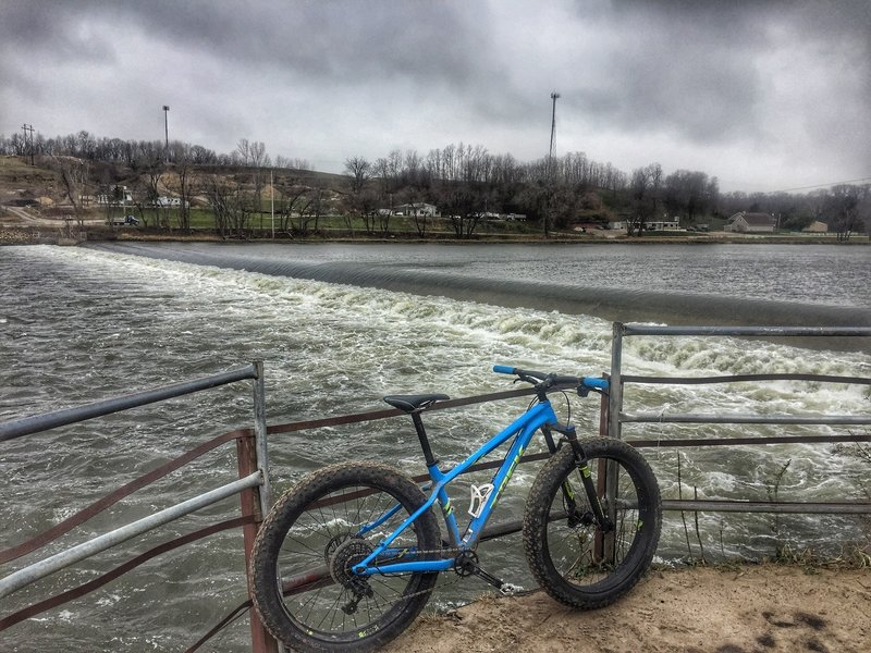 One of the cool things about the Anglers Eyelet trail is its access to the roller dam... for fishing, and/or adventure biking.