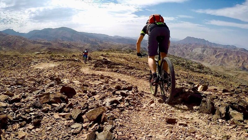 Experience beautiful views from this well-groomed singletrack!