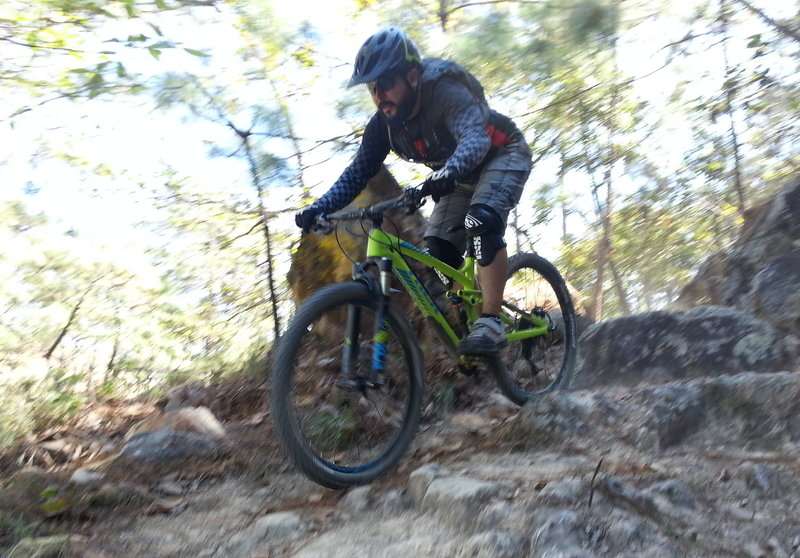 Willy takes a clean line through the tech on La Minas Trail.