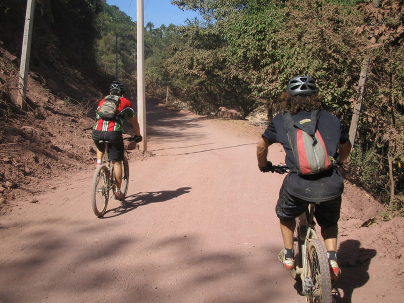 Rogelio and Chaz making their way up the PV to San Pedro ride.