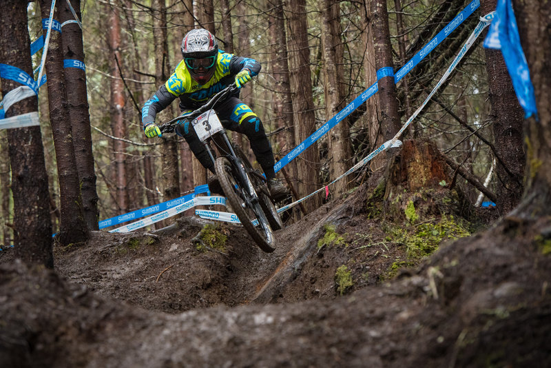 Matt Orlando drops into a slick and muddy chute on Kind Diamond during the Pro GRT and NW Cup.