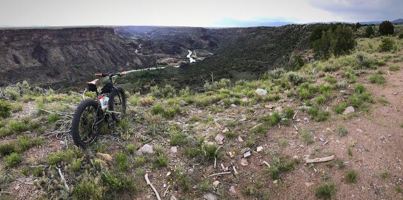 Rio Grande vista along the Rift Valley Trail.