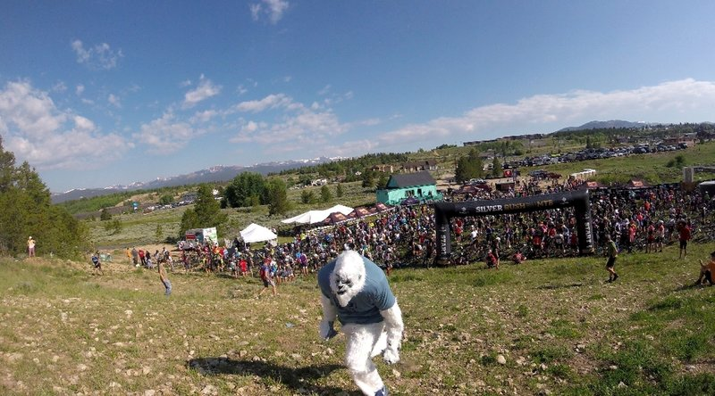 200m STEEP hill to start the Silver Rush. Being charged by the GU Yeti pre-race.