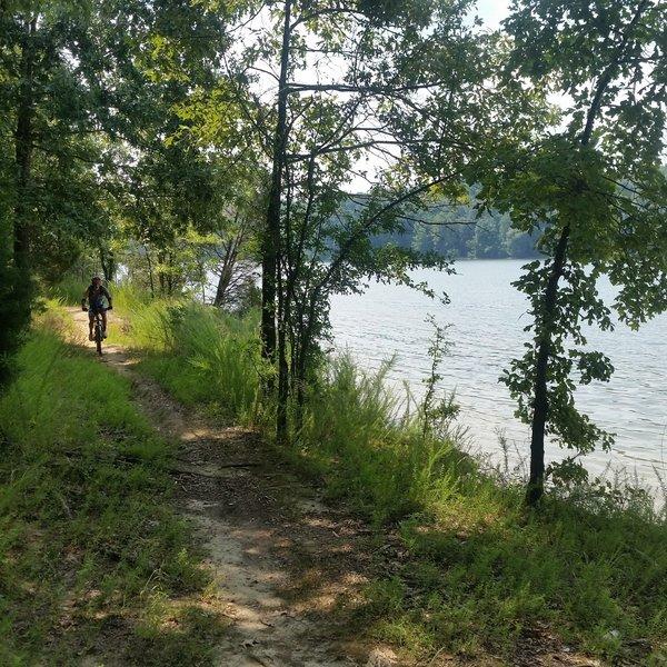 Many scenic views of Kentucky Lake