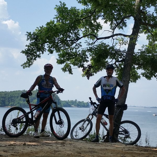 This overlook of Kentucky Lake is a great place to take a break.