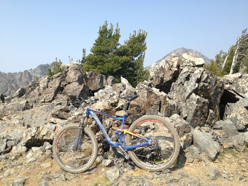 Twin Lakes - Elkhorn Crest Trail