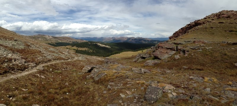 Top of the trail to Searle Pass—this direction leads to Copper Mtn.