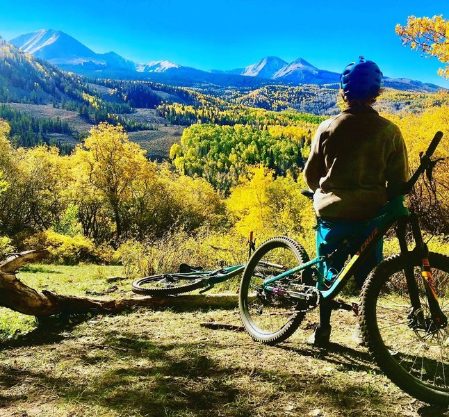 The whole enchilada is an amazing trail with fun and technical slick rock riding. This is an overview on Burro pass.