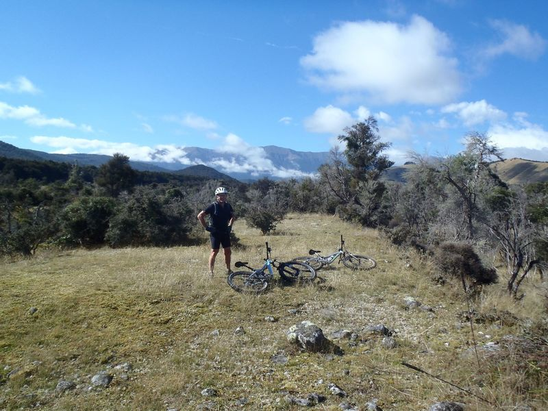 The St Arnaud Range provides a backdrop for the west end of Rattler Rim