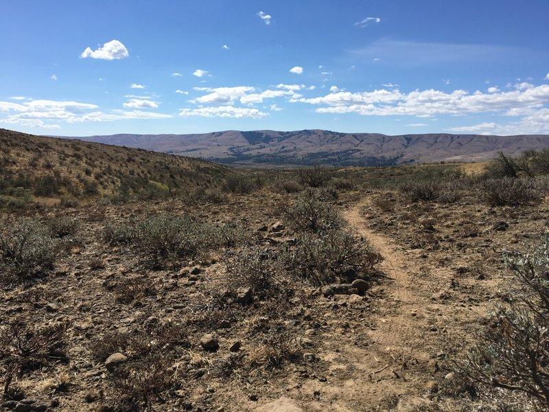 Rolling down Chin Biter toward Umptanum Ridge