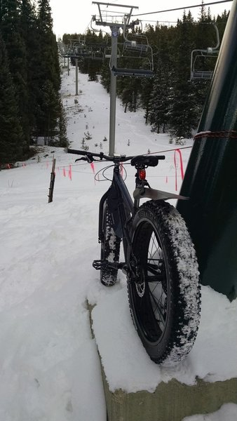 End of the road in winter at the base of the Wayback lift.  Good workout.