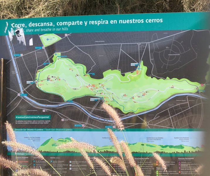 Map of the routes at the Parque Metropolitano Cerro San Cristobal at the La Piramide Vespucio Exit.