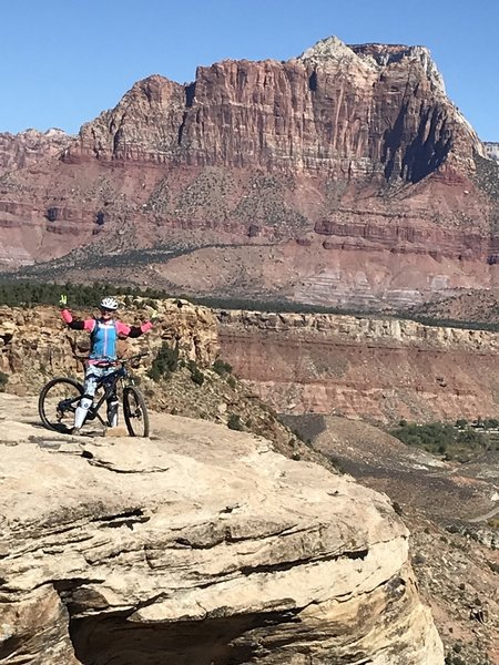 The views of Zion Valley are beautiful, a must ride trail‼️